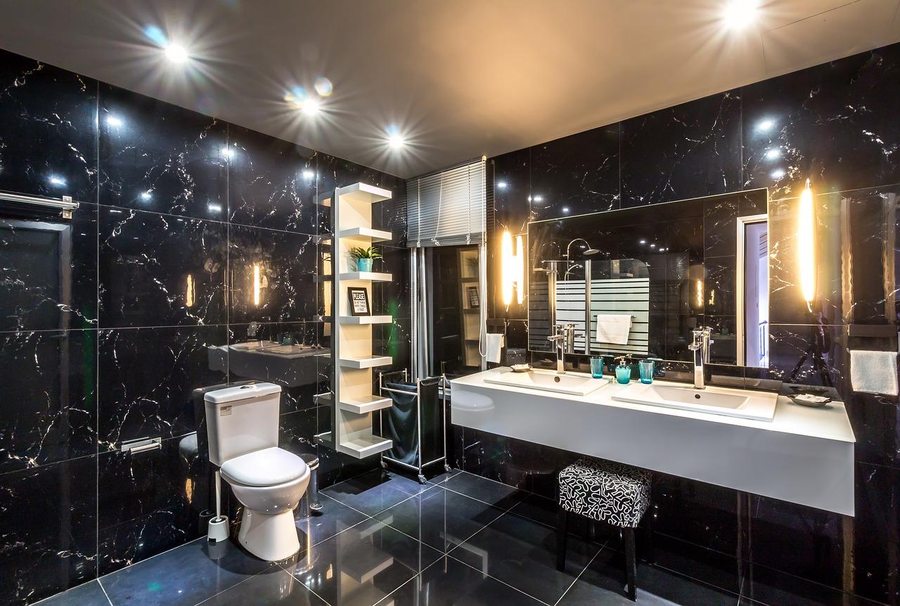 Piękna łazienka. Kabiny prysznicowe, meble łazienkowe – wyposażenie łazienki Warszawa