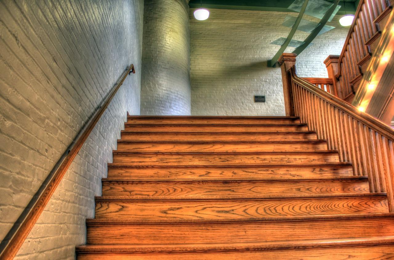 Schody w twoim domu. Producent schodów drewnianych mazowieckie