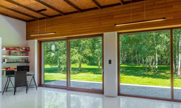 Jak wybrać najlepszą firmę, która montuje okna?